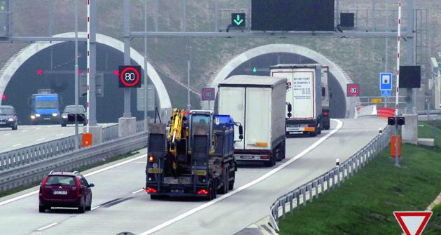 Vypadá to, že se silniční doprava vyrovnala srůstem ekonomiky překvapivě dobře.