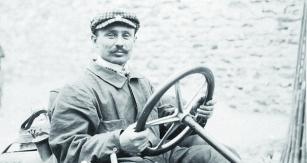 Maďar Szicz Ferenc se stal  vroce 1906 sice hrdinou Francie, ale naobčanství si musel počkat  až dodoby Velké války.
