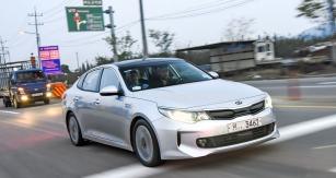 Hybridní Kia Optima při zkouškách vKoreji