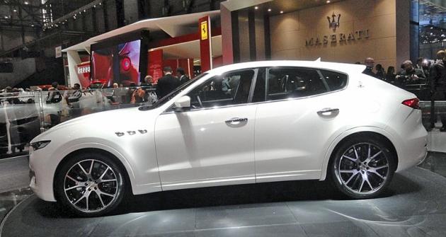 Maserati Levante  vzbudil při premiéře velkou pozornost, oba vystavené vozy byly neustále vobležení novinářů,  ale ijiných zvědavců