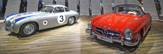 Rozsáhlá expozice Mercedesu nabídla 300 SL Gullwing vzávodní verzi ijako silniční roadster