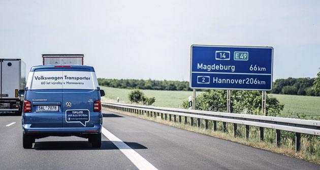 Plynulá jízda po dálnici vpravém – kamionovém – pruhu směr Hannover