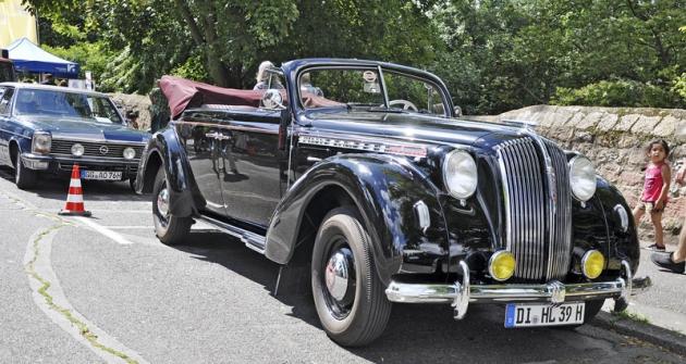 Jednou z hvězd srazu byl i meziválečný Opel Admiral, patřící přímo do sbírek automobilky Opel