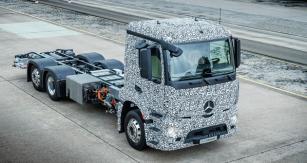 první těžké nákladní vozidlo určené pro rozvážku zboží selektropohonem, který nabízí dojezd až 200km.