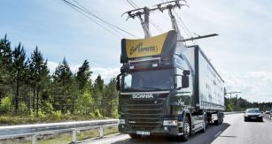 K testovacím jízdám jsou používány tahače Scania G 360 s devítilitrovým motorem na biopalivo o výkonu 265 kW (360 k) a elektromotorem o výkonu 130 kW (177 k) a točivém momentu 1050 Nm. Li-Ionová baterie o kapacitě 5 kWh umožňuje dojezd až 3 kilometry