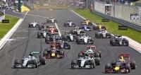 Lewis Hamilton v letošní Grand Prix na Hungaroringu v nájezdu do první zatáčky předjel Nico Rosberga, startujícího  z pole position