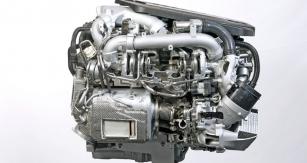 Řadový vznětový šestiválec přeplňovaný trojicí turbodmychadel