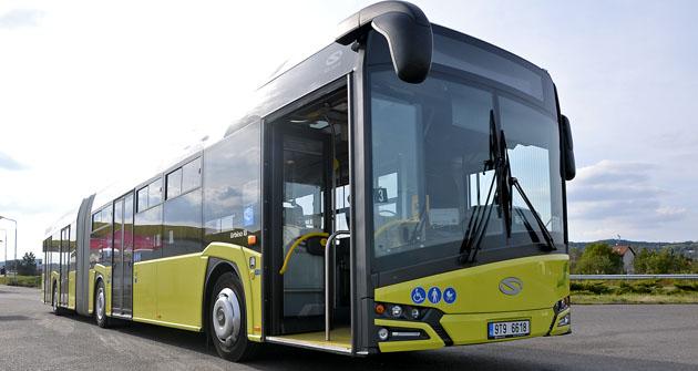 Testované Urbino 18 spadalo do kategorie městských autobusů, vybaveno bylo 4 dveřmi s předvolbou cestujícími.