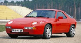 Porsche 928 S4 v úpravě Club Sport (model 1988)