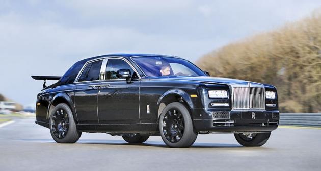 """První vývojová """"mula"""" chystaného """"terénního"""" modelu Rolls-Royce, postavená na základě zkráceného typu Phantom (2015)"""
