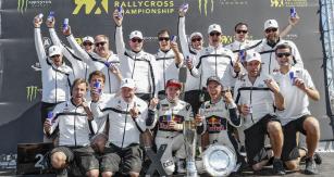 Vítězný EKS Team Audi (jezdci Mattias Ekström a Toomas Heikkinen)