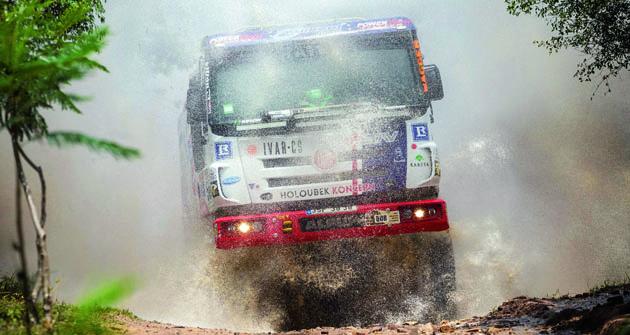 TATRA  PHOENIX G3 je první soutěžní speciál svého druhu, který se může pyšnit etapovým vítězstvím narallye Dakar.