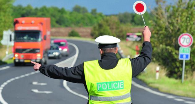 """Dopravní policie nepochybně musí """"prověřovat adodržovat"""", ale vždy avšude by měla iona používat selský rozum."""
