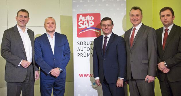Osobnosti AutoSAPu zleva - Martin Jahn, Miroslav Dvořák (viceprezident), Bohdan Wojnar (prezident), Pavel Juříček a Jan Pešek (viceprezidenti)