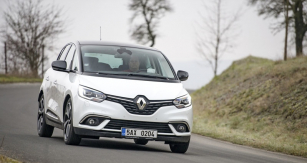 Čtvrtá generace Renaultu Scénic vsadila výhradně na kola sprůměrem 20 palců apneumatiky šířky 195 mm