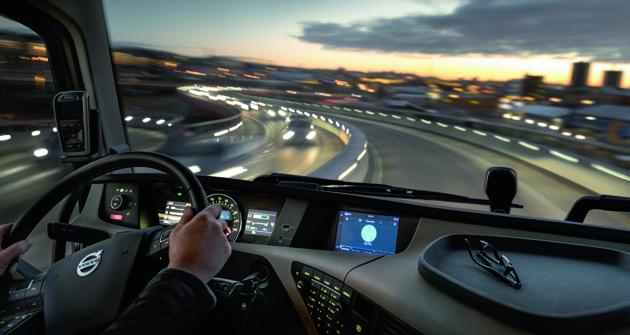 Nový integrovaný infosystém  je kdispozícii ako prvok výbavy nových modelov radov Volvo FH, Volvo FM aVolvo FMX.