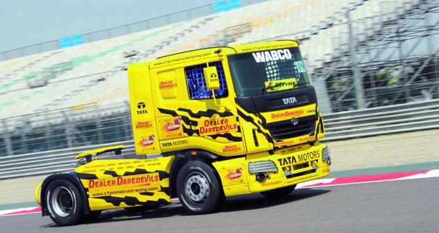 Indický titul David Vršecký vybojoval napohárovém tahači TATRA Motors smotorem Cummins omax. výkonu 400 k.