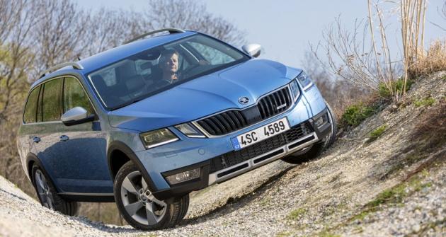Škoda Octavia Scout při testech na polygonu v Rakousku překvapila schopnostmi pohybovat se i v poměrně náročných terénních podmínkách