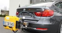 BMW 320i GT s instalovaným zařízením Dekra pro měření emisí NOx a pevných částic v reálném provozu (RDE)