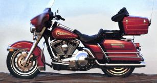Harley-Davidson FLHTC Electra Glide Classic model 1997 s dvouválcem Evolution 1340 cm3 (karburátor nebo vstřikování SPFI)