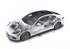 Vrcholné provedení řady Panamera v podobě plug-in hybridu Turbo S E-Hybrid s celkovým výkonem 500 kW (680 k) zůstává vyhrazeno karoserii liftback. Akumulátory i výkonová elektronika jsou pro optimální rozložení hmotnosti umístěny vzadu, nicméně díky tomu je mírně omezen prostor pro zavazadla