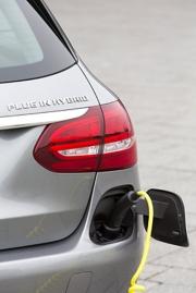 Plug-in hybridní vozy mají tím větší smysl, čím častěji se nabíjejí