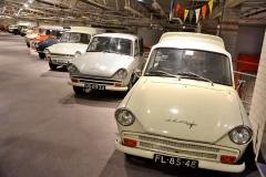 DAF 31 Combi (1965) vede smečku různých karosářských provedení – za ním pick-up s plachtou, van a modrý pick-up DAF 33 (1970)