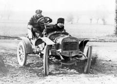 Delage typu D na jednom z prvních závodů Coupe de l'Auto 1906 (kapalinou chlazený jednoválec De Dion-Bouton 939 cm3)