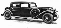 Patrně jen v jediném exempláři vznikl sedan se čtyřmi bočními okny