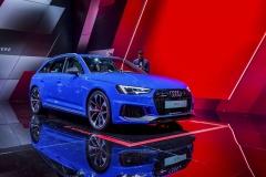 Audi RS 4 Avant oživuje legendární označení a stává se špičkovým modelem řady A4/A5. Zážehový V6 Biturbo 2,9 l vykazuje 331 kW (450 k) a 600 N.m