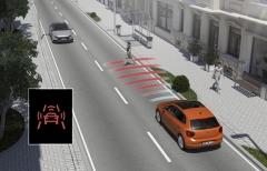 Systém přednárazového brzdění rozpoznává i potenciálně nebezpečné chodce