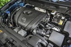 Zážehové motory se s příchodem nové generace CX-5 nezměnily vůbec. Testovaný dvoulitr stále nabízí 160 k