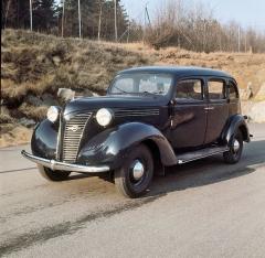 Velké Volvo PV801 v americkém stylu, typ určený pro taxislužbu (1938)