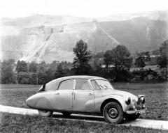 Prototyp vojenského kabrioletu Tatra 87, zhotovený v roce 1940
