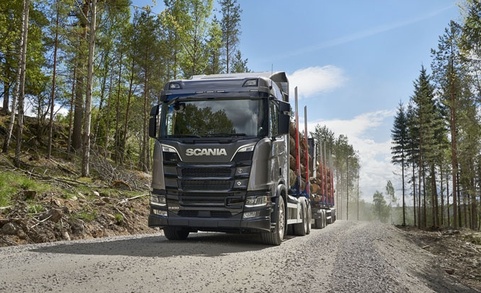 Scania R650 B6x4HA, hmotnost 45 tun