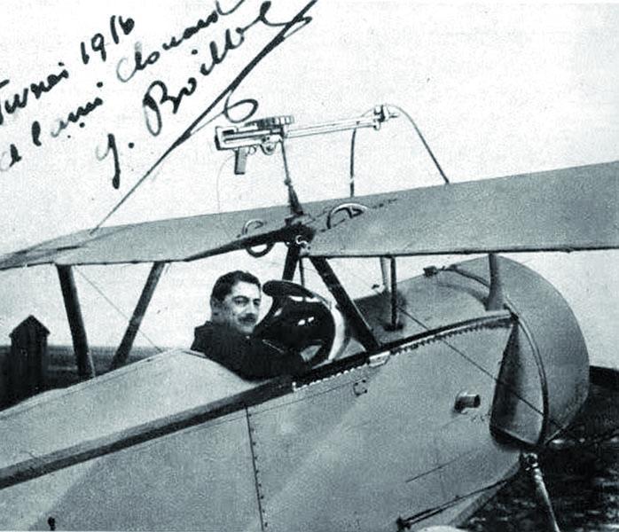 Zakniplem stíhacího Nieuportu dosáhl Georges Boillot naněkolik sestřelů nepřátelských letounů, stal se esem, byl dvakrát vyznamenán anakonec zde našel isvoji smrt.