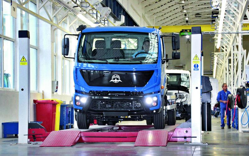 Avia Initia Euro 6 vyráží načeský aslovenský automobilový trh, výhledově též například doRuska nebo doseverní Afriky – přejme jí hodně štěstí.