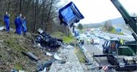Po nehodě většinou nastupuje martýrium s příslušnou pojišťovnou, které mnohdy končí různými stížnostmi a dokonce i soudem.