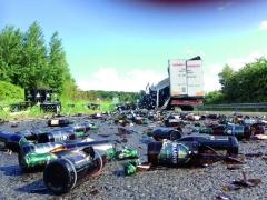 U nehod nákladních vozidel vzniká ještě další starost – co s poškozeným zbožím či nákladem?