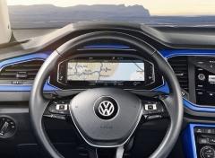 Příplatkový digitální přístrojový štít je v typu T-Roc co do nabídky informací více propojen s multimediálním systémem