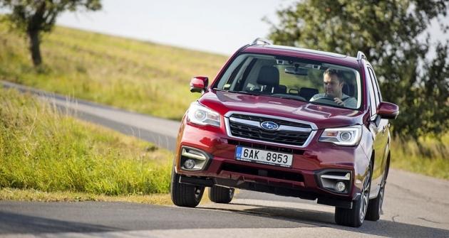 Silnou stránkou Foresteru jsou vynikající jízdní vlastnosti, dané zejména nízkým těžištěm. Přesto má světlou výšku 220 mm
