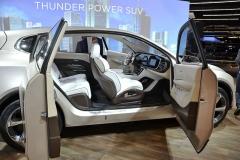 """Čínská společnost Thunder Power také ponejprv ukázala luxusní elektrické SUV, prototyp """"Alfa"""", jehož design inspirovaný filozofií zen má """"na svědomí"""" firemní milánské studio"""