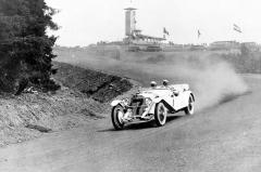 Christian Werner (Mercedes-Benz typ S) na Nürburgringu v prvním roce 1927