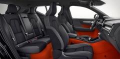 Interiér XC40 vyniká pohodlnými sedadly, kvalitními materiály aútulností.