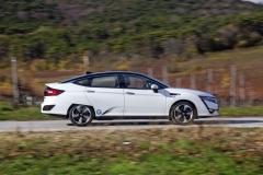 Honda kladla značný důraz na aerodynamiku, zajímavostí jsou aerodynamické clony pro částečně zakrytá zadní kola