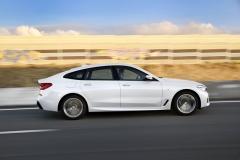 Rozvor 3070 mm na milimetr přesně odpovídá luxusnímu BMW řady 7 se standardním rozvorem