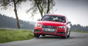 Zvláště pokud si připlatíte za sportovní podvozek a zadní diferenciál s aktivním rozdělováním točivého momentu mezi kola, můžete si s Audi S4 Avant třeba cestu z práce skutečně vychutnat