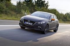 Vývoj motoru Skyactiv-X je zhruba ve své polovině. Mazda už sice má k dispozici první funkční prototypy automobilů tvářících se jako současná generace Mazdy 3, reální zákazníci si ale tuto novinku budou moci pořídit až za dva roky