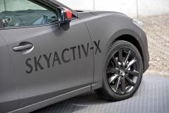 Jako první dostane motor Skyactiv-X inovou platformu budoucí generace Mazdy3