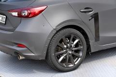 Příští generace Mazdy 3 bude používat sohledem na komfort vyšší pneumatiky